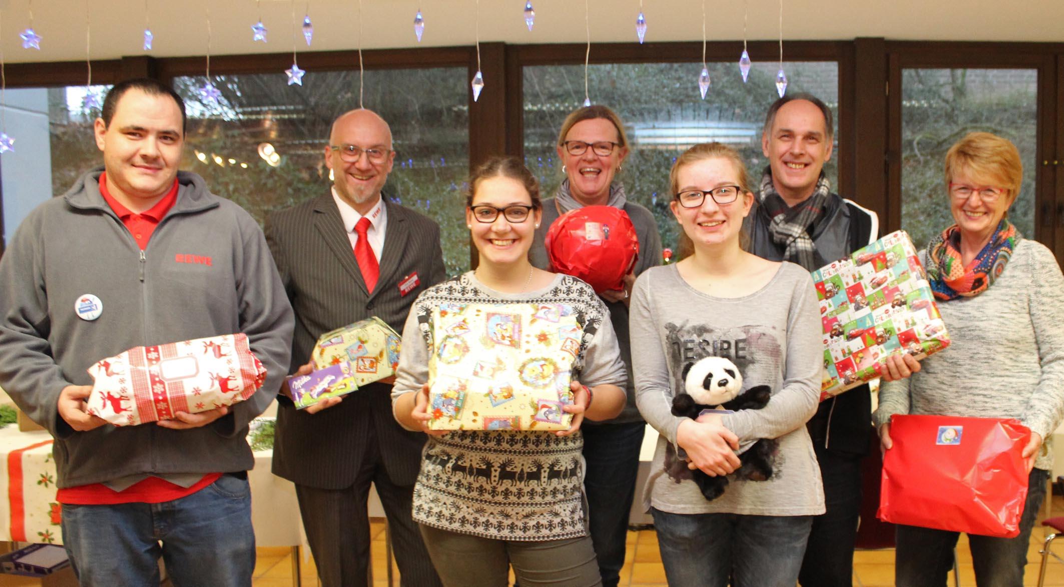 Brigitte Weihnachtsgeschenke.Diakonie Paderborn Höxter E V Rewe Aktion Weihnachtsgeschenke